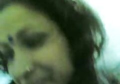 Kate Kennedy chupa videos clasicos xxx el culo de Seth Gamble en el taburete de la barra