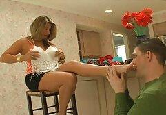 Latina tiene sexo oral, se traga la mayor parte del porno clasico en castellano esperma de la cámara.